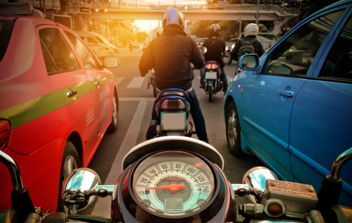 lane splitting with motorcycle